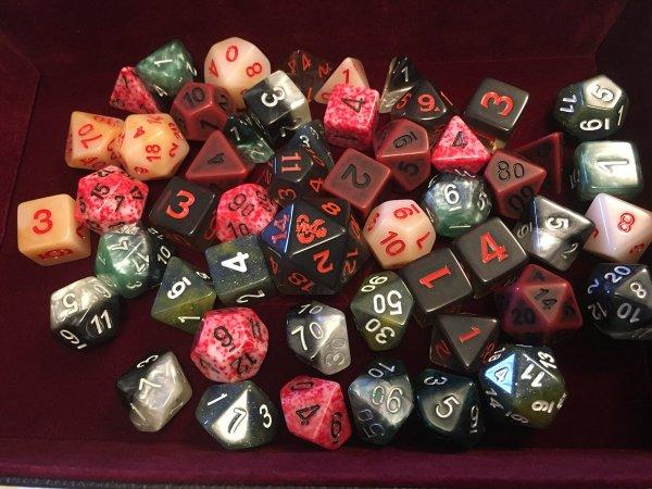 custom-dice-jess-dampsey-d20-dnd.jpg